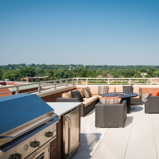 Rooftop BBQ at The Bradley Braddock Road Station Apartments